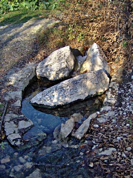 Source eau chaude clos Jouvin