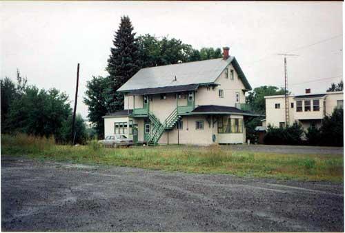 Ancienne gare reconvertie en habitation