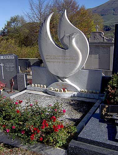 Vue generale de la tombe d'Olivier Messian