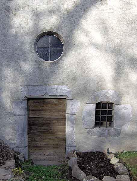 Vue de la porte avec l'oculus